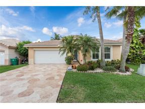 Property for sale at 376 E Royal Cove Cir, Davie,  Florida 33325
