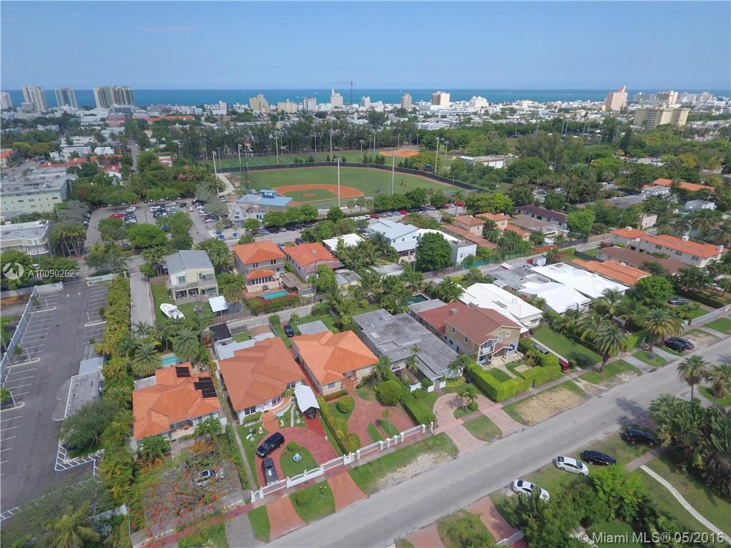 Photo of home for sale at 1435 Lenox Ave, Miami Beach FL