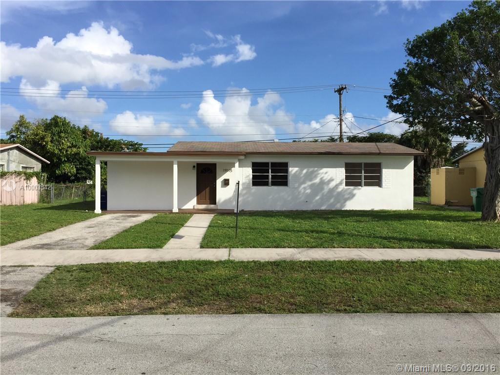 Photo of home for sale at 19115 1 PL NE, Miami FL