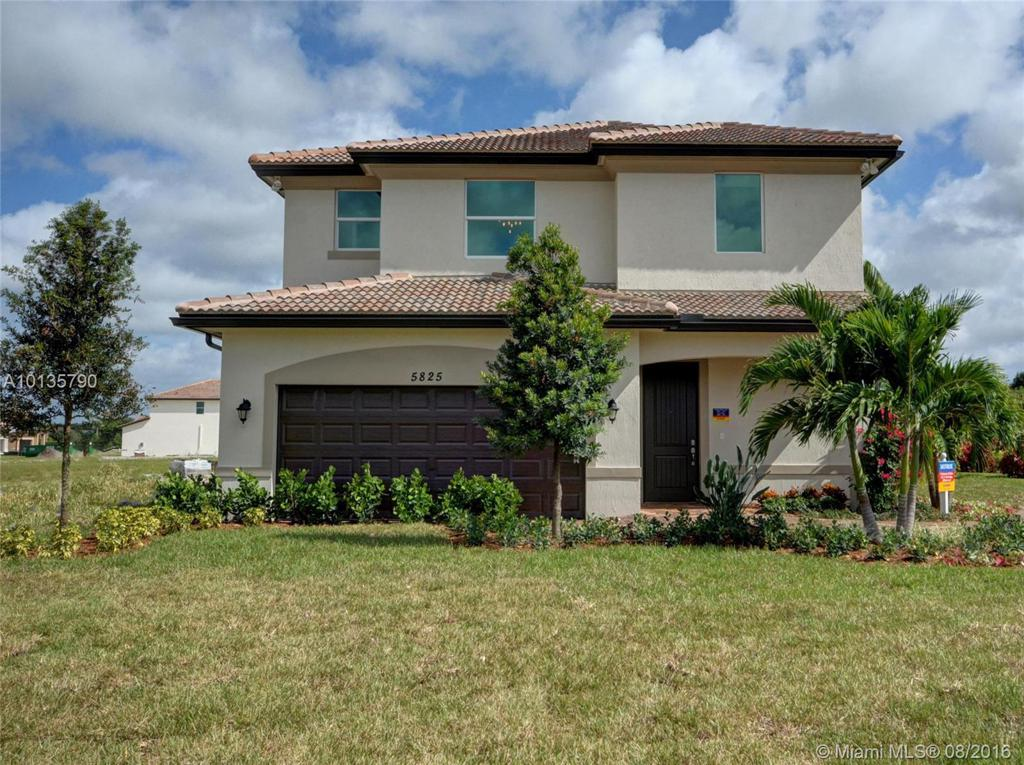Photo of home for sale at 4120 21 Court NE, Homestead FL