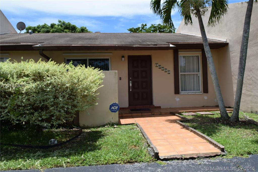 Photo of home for sale at 12544 119th Ter SW, Miami FL