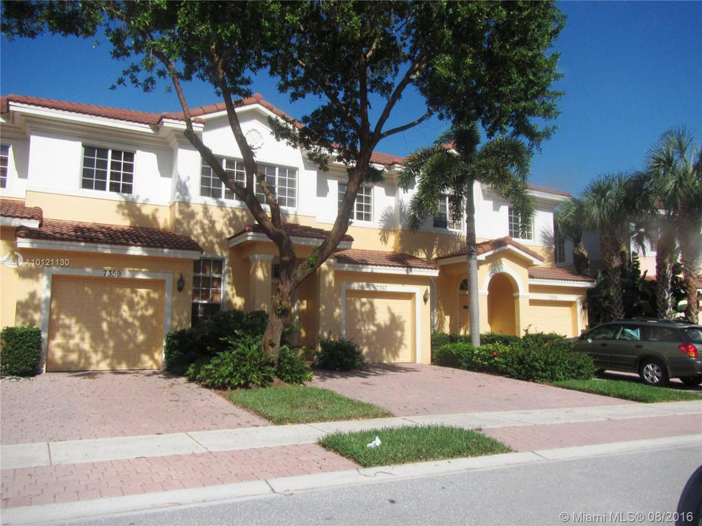 Photo of home for sale at 7357 Briella Dr, Boynton Beach FL