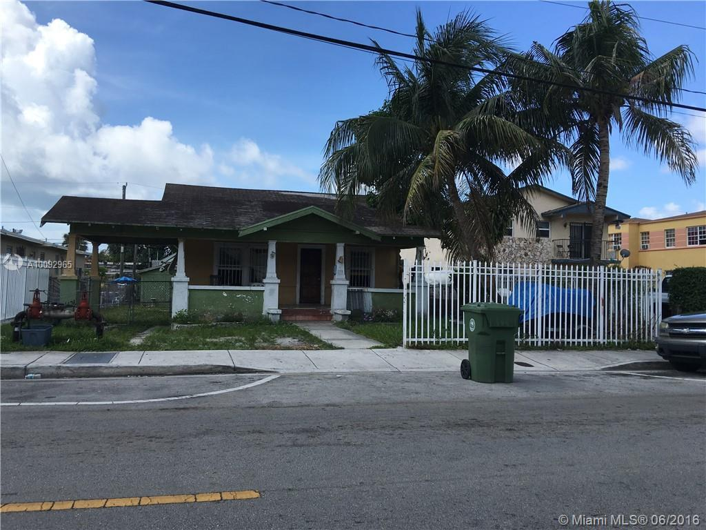 Photo of home for sale at 1534 1st St NW, Miami FL
