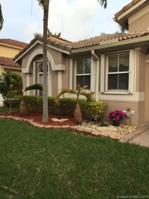 Photo of home for sale at 12373 122 CT SW, Miami FL