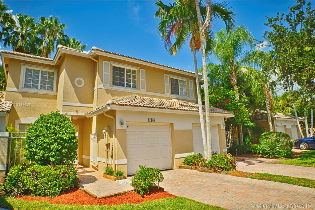 Photo of home for sale at 17163 23rd St NW, Pembroke Pines FL