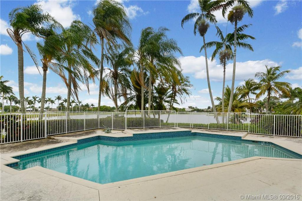 Photo of home for sale at 3170 Willow Ln, Weston FL