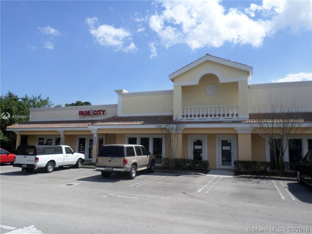 Photo of home for sale at 642 Port St Lucie Blvd SW, Port St. Lucie FL