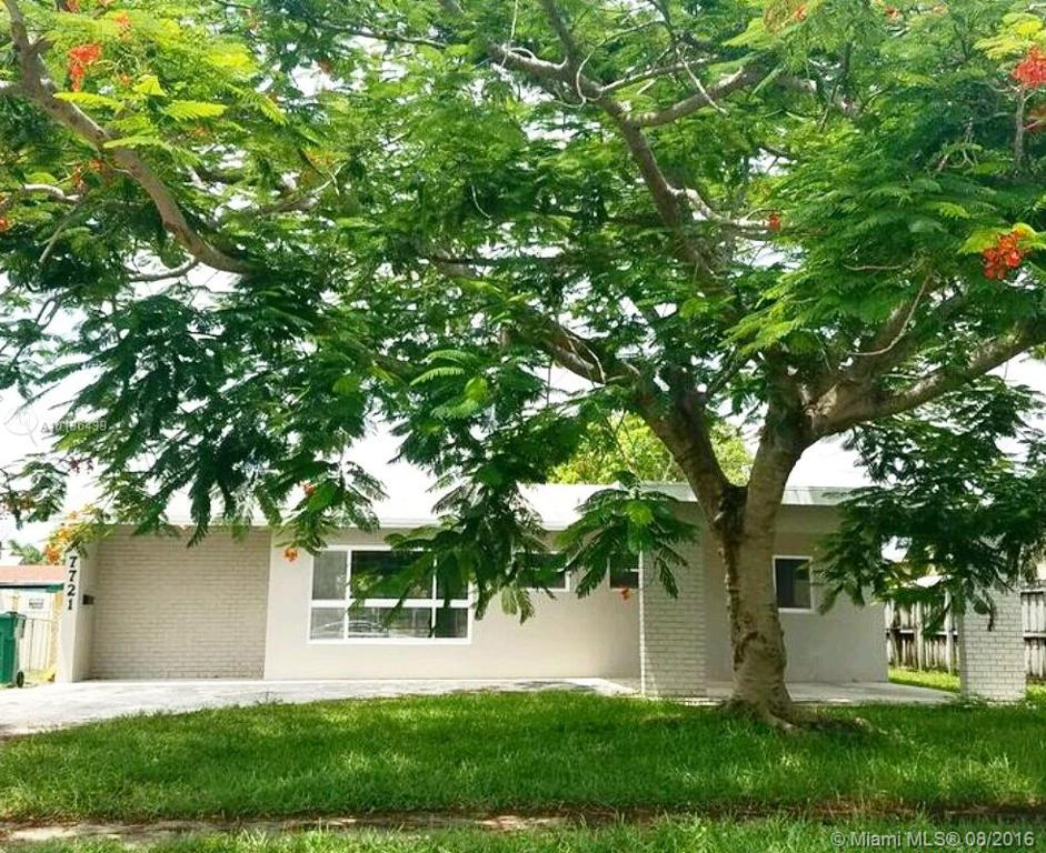 Photo of home for sale at 7721 41st St NW, Davie FL