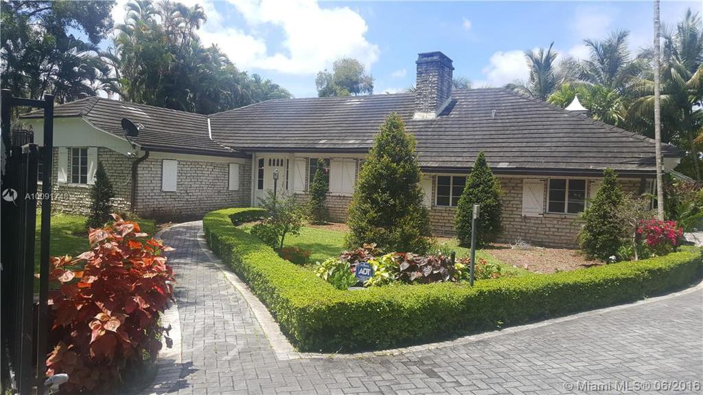 Photo of home for sale at 11150 Griffing Blvd, Biscayne Park FL