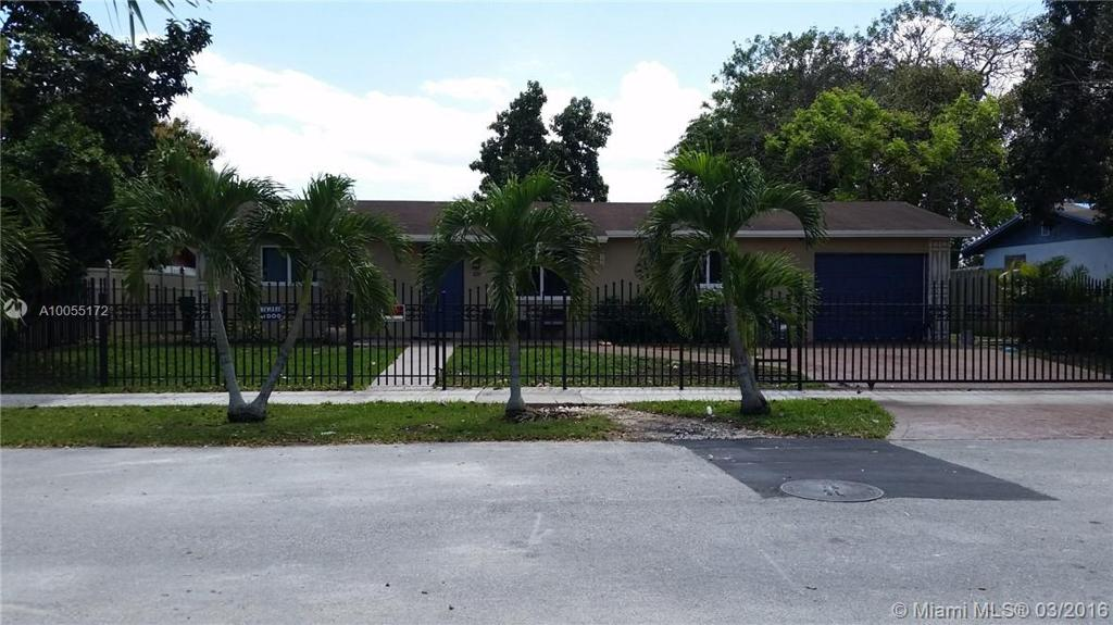 Photo of home for sale at 14834 304th Ter SW, Homestead FL