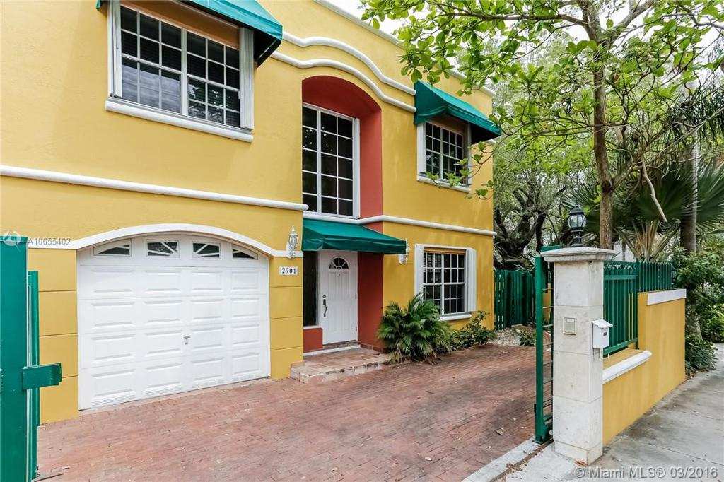Photo of home for sale at 2901 Day Ave, Miami FL