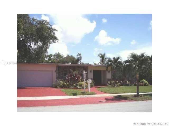Photo of home for sale at 2115 198th Ter, Miami FL