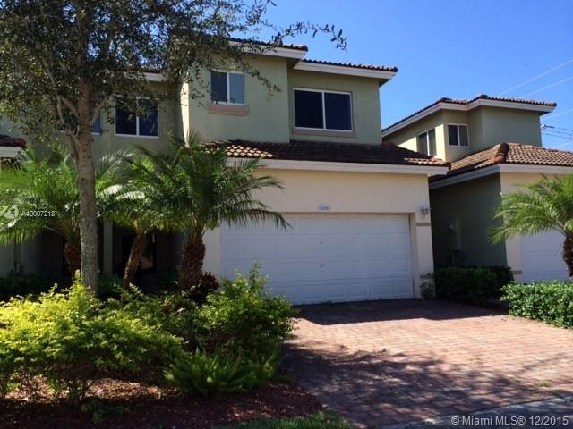 Photo of home for sale at 2320 16 Terr SE, Homestead FL