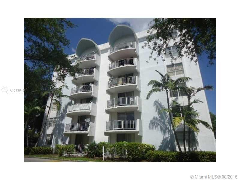 Photo of home for sale at 484 165th Street Rd NW, Miami FL