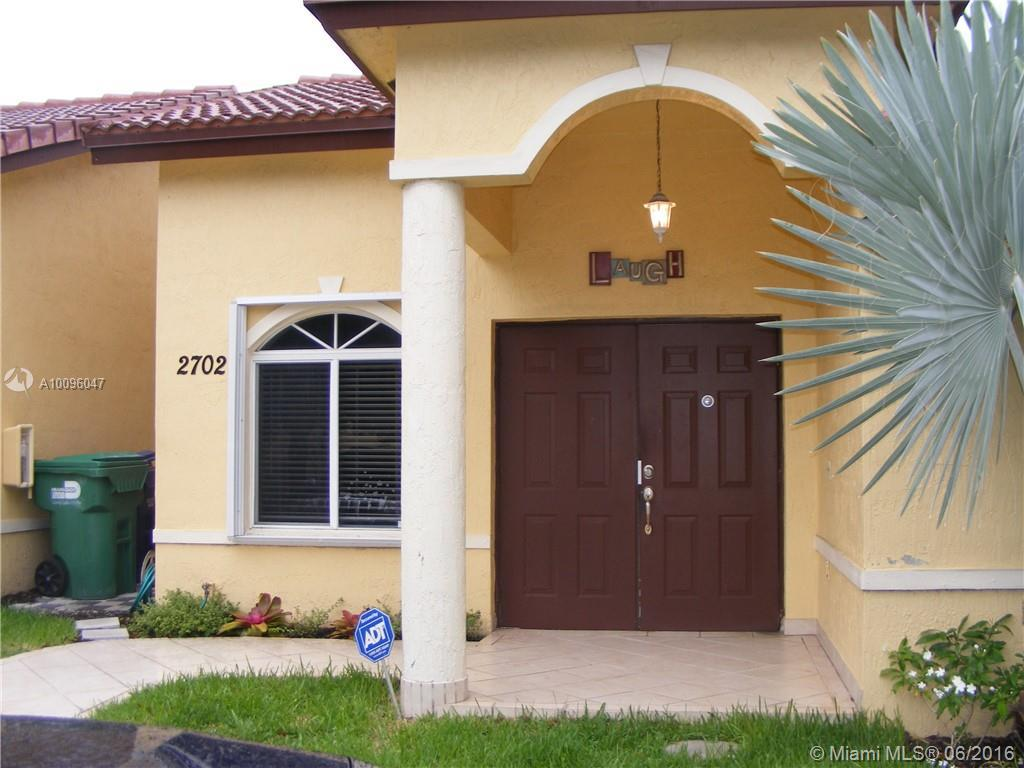 Photo of home for sale at 8535 189th Ln NW, Miami FL