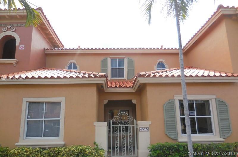 Photo of home for sale at 4929 Tradewinds Ter, Fort Lauderdale FL