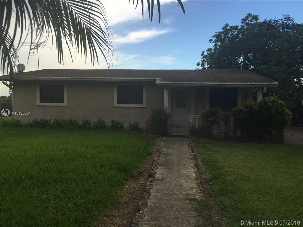 Photo of home for sale at 21025 210th Ave SW, Miami FL