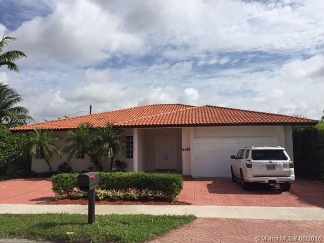 Photo of home for sale at 9455 44th St SW, Miami FL