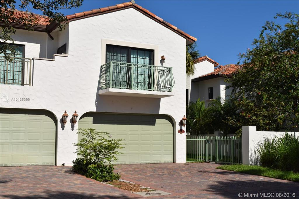 Photo of home for sale at 4430 Hidden Harbour Ter, Fort Lauderdale FL