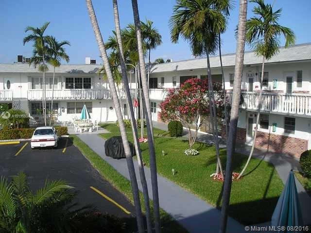 Photo of home for sale at 1301 12 Ct, Hollywood FL