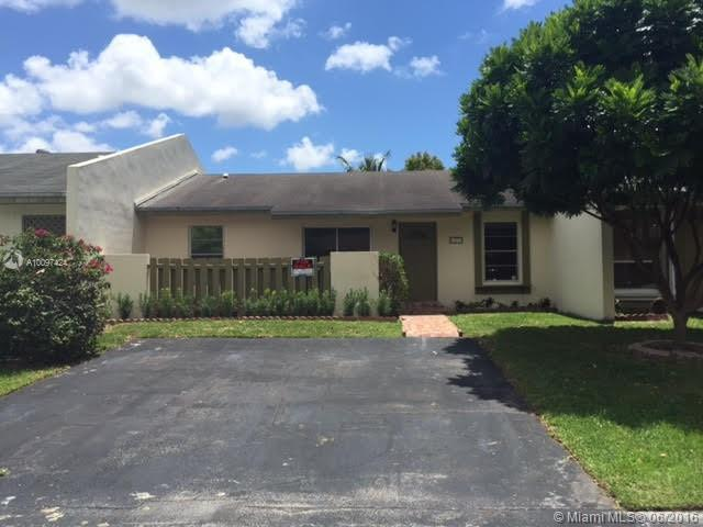 Photo of home for sale at 11217 125th Pl SW, Miami FL