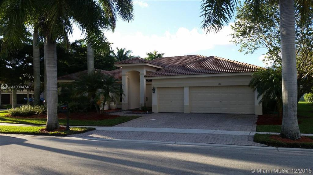Photo of home for sale at 971 Windward Way, Weston FL