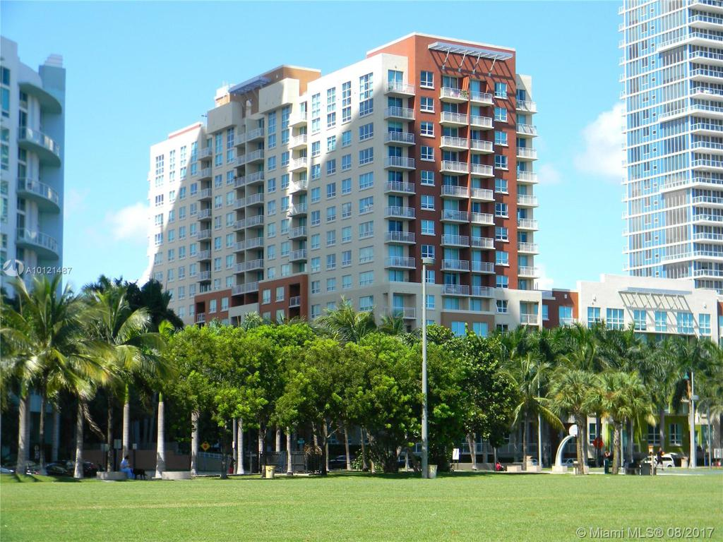 Photo of home for sale at 2000 BAYSHORE DR N, Miami FL