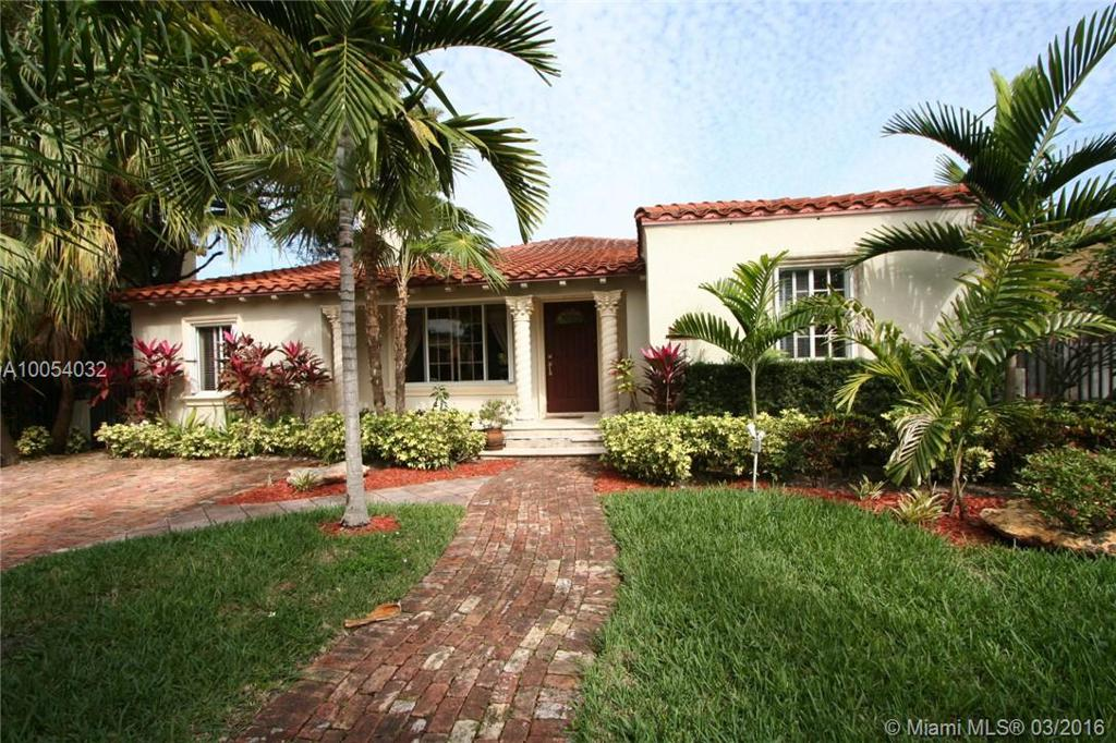 Photo of home for sale at 525 26th Rd SW, Miami FL