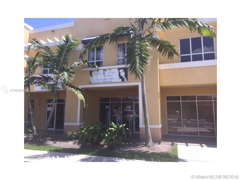 Photo of home for sale at 17670 78th Ave NW, Hialeah FL