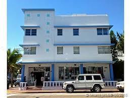 Photo of home for sale at 1100 Collins Ave, Miami Beach FL