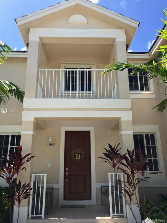 Photo of home for sale at 13982 276th St SW, Homestead FL
