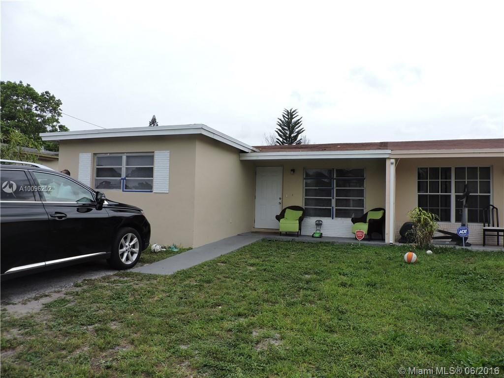 Photo of home for sale at 6513 19th St SW, North Lauderdale FL