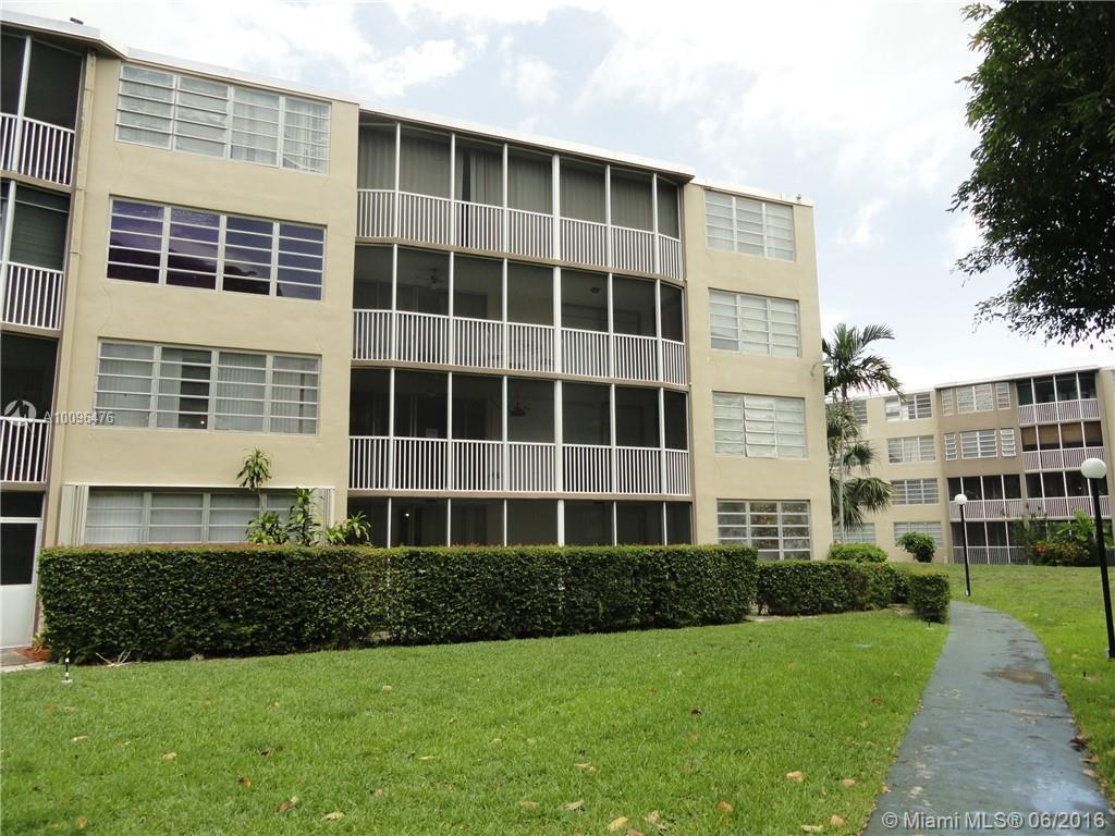 Photo of home for sale at 1670 191st St NE, Miami FL