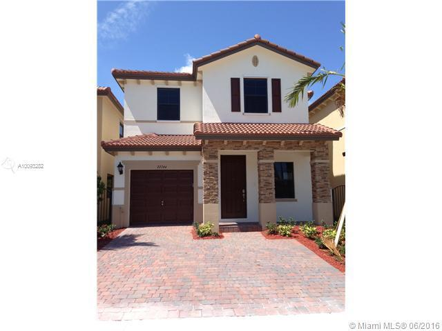 Photo of home for sale at 22744 88 PA SW, Cutler Bay FL