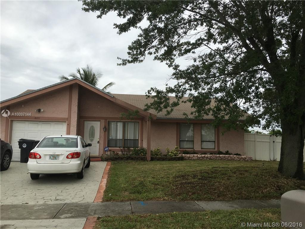 Photo of home for sale at 8101 12th St SW, North Lauderdale FL