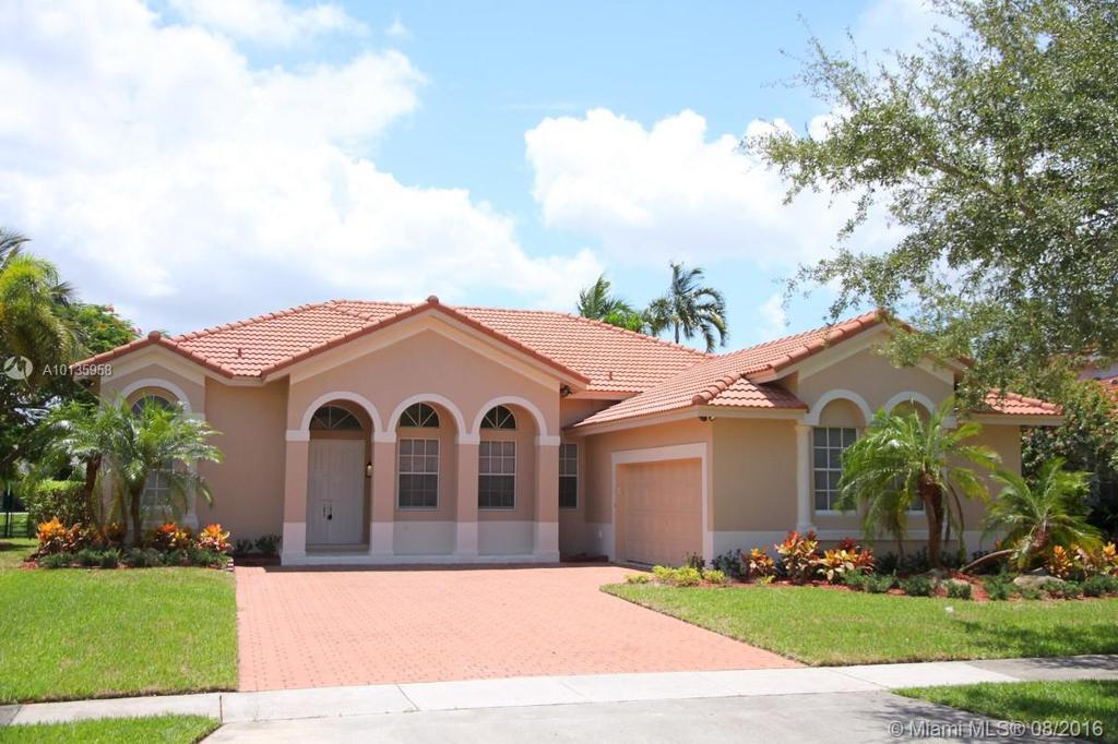 Photo of home for sale at 16334 12th St NW, Pembroke Pines FL