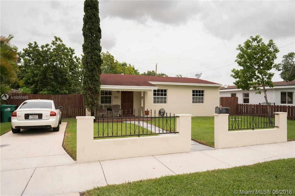 Photo of home for sale at 7381 34 Street Rd SW, Miami FL