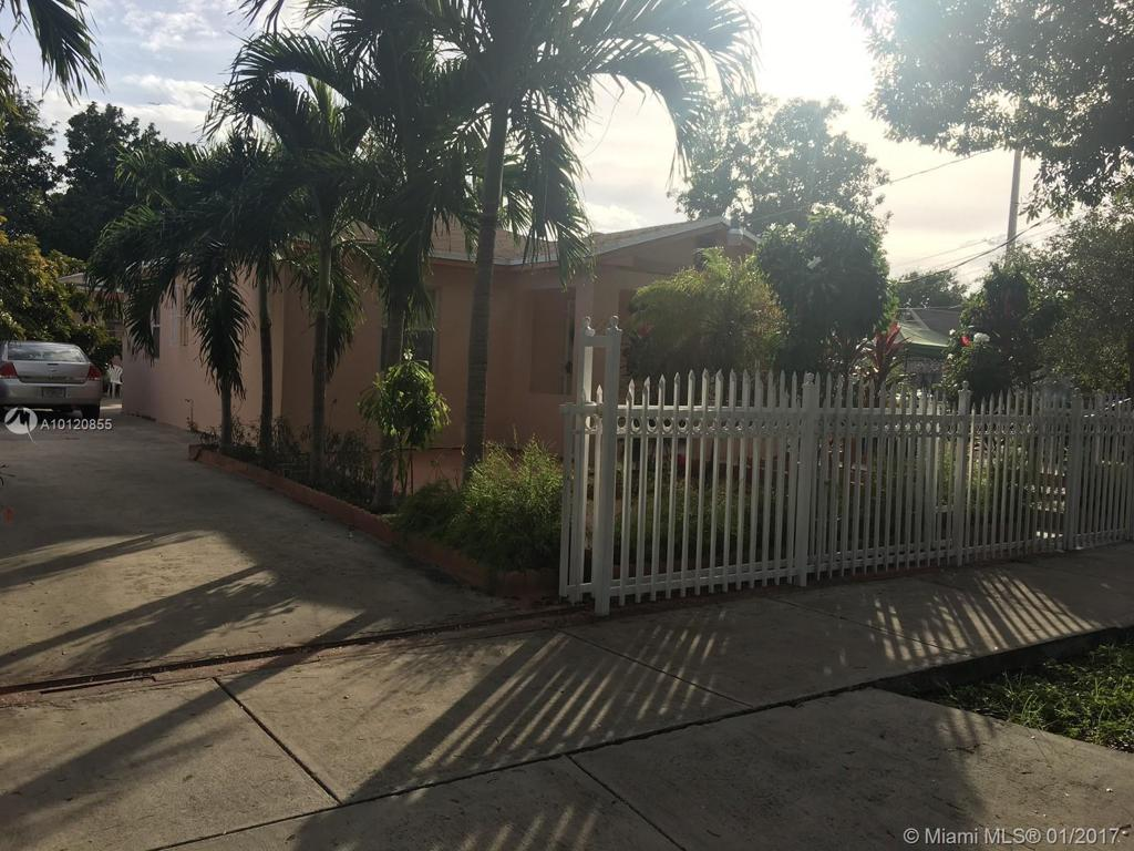 Photo of home for sale at 124 31st St NW, Miami FL