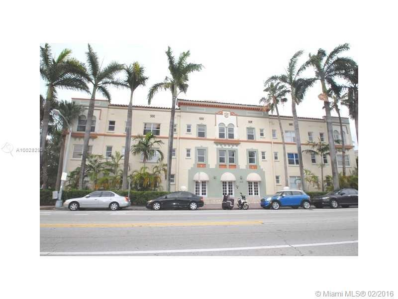 Photo of home for sale at 900 16th St, Miami Beach FL
