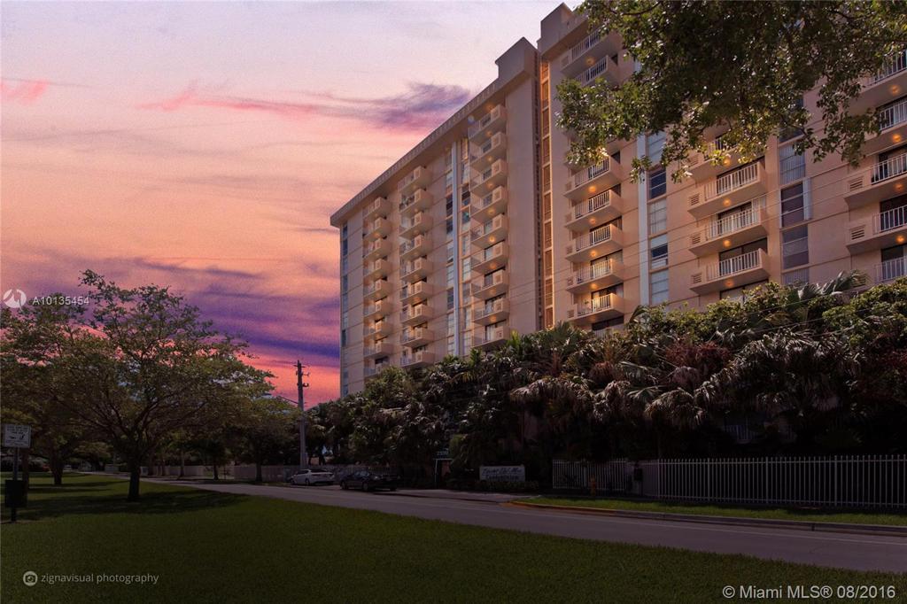Photo of home for sale at 2350 135th St NE, North Miami FL
