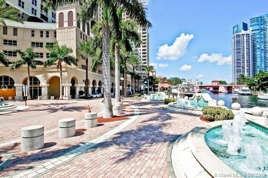 Photo of home for sale at 511 5th Ave SE, Fort Lauderdale FL