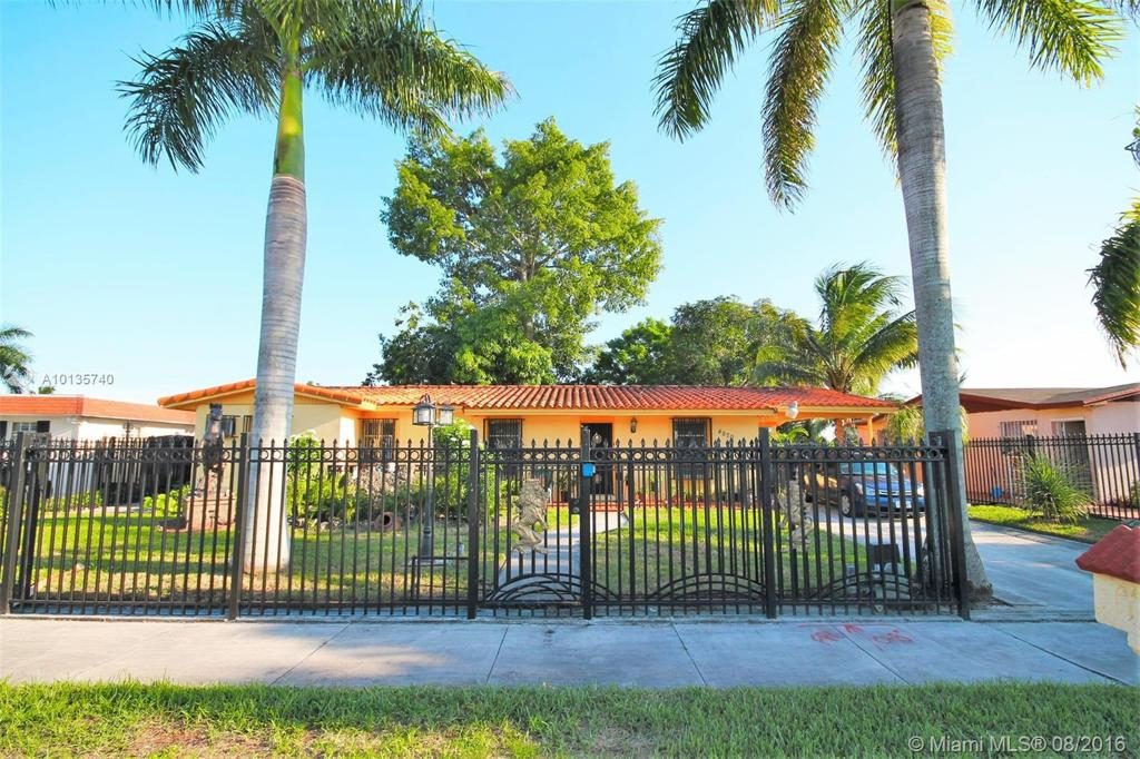 Photo of home for sale at 4870 196th Ter NW, Miami Gardens FL