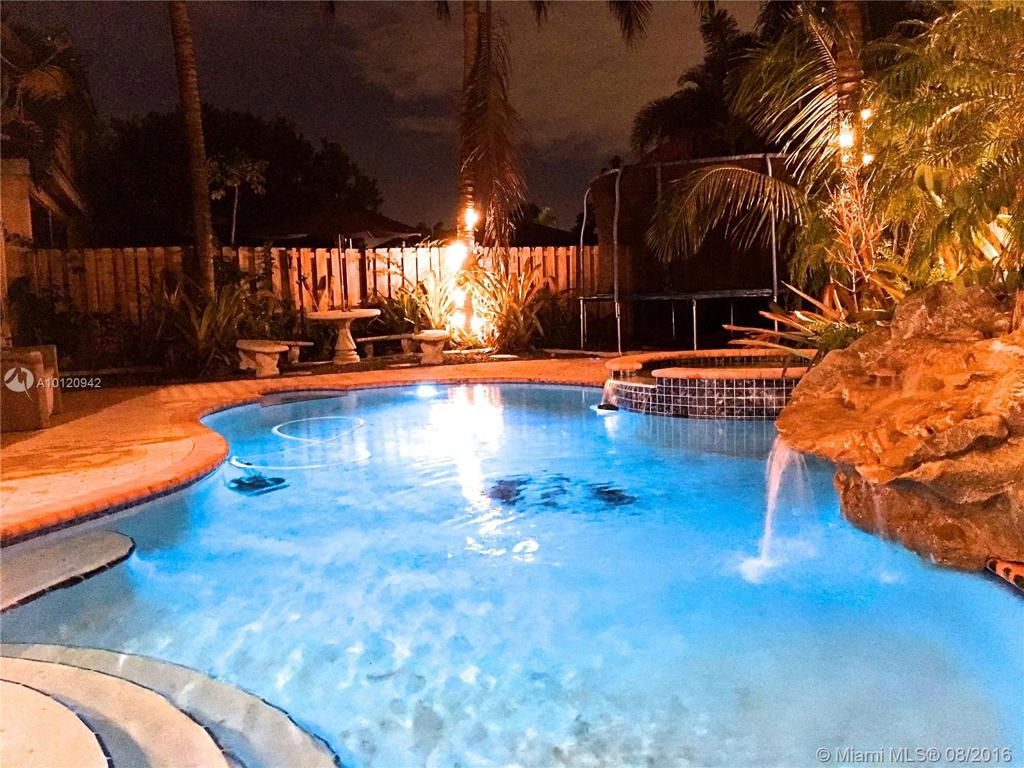 Photo of home for sale at 18022 33rd St SW, Miramar FL