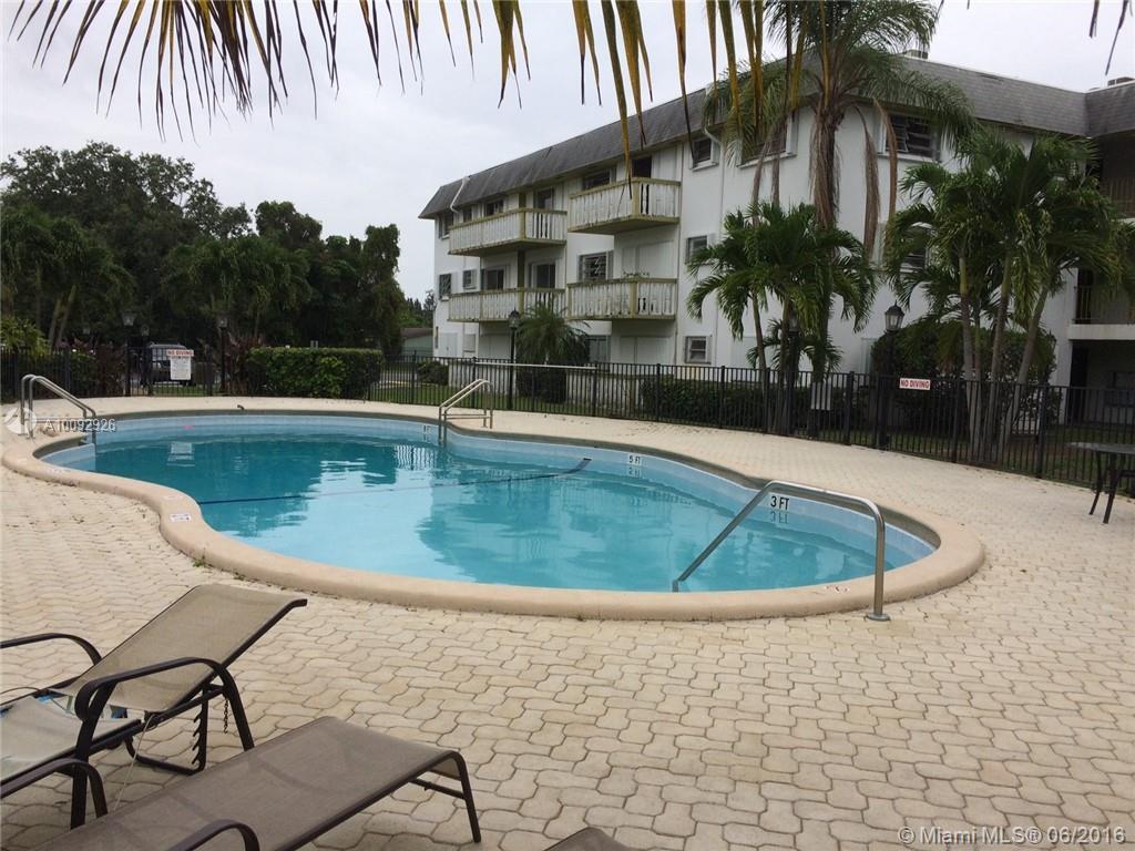 Photo of home for sale at 15205 6th Ave NE, Miami FL