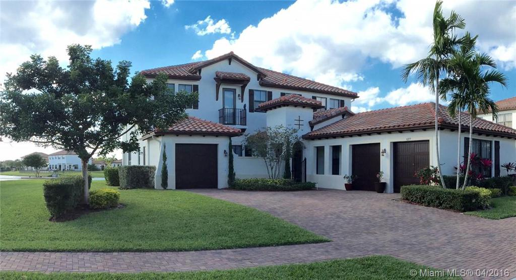 Photo of home for sale at 8277 28th St NW, Pembroke Pines FL