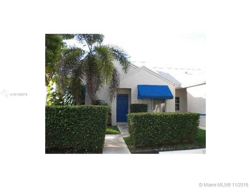 Photo of home for sale at 5201 31st Ave SW, Fort Lauderdale FL