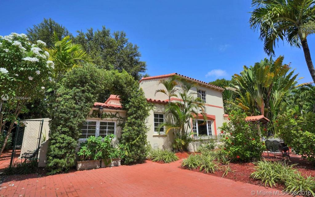 Photo of home for sale at 401 28th Rd SW, Miami FL