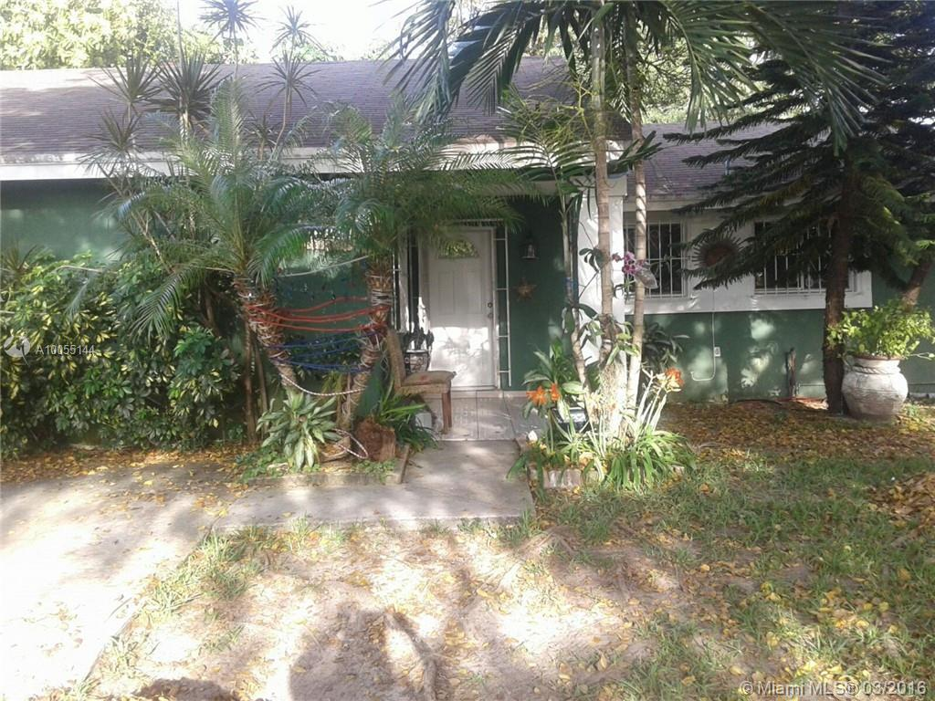 Photo of home for sale at 20325 122nd Pl SW, Miami FL