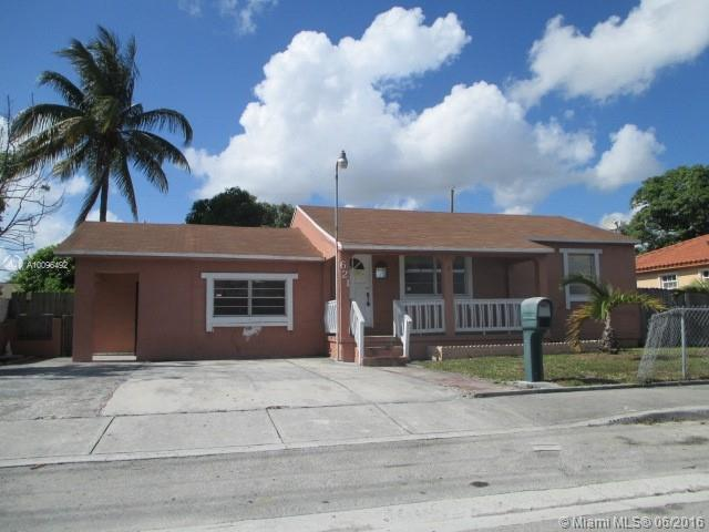 Photo of home for sale at 621 5th St E, Hialeah FL