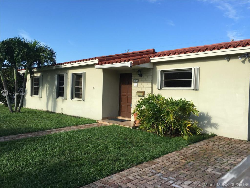 Photo of home for sale at 920 99th Pl SW, Miami FL